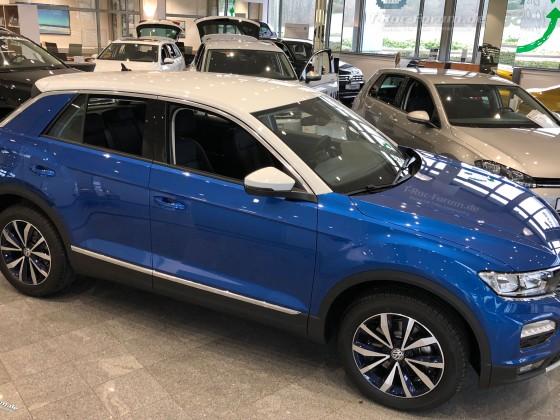 VW-T-Roc-Ravennablau-metallic-TRoc-Volkswagen